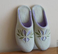 """Валяные тапочки """"Magnolia"""" - валяные тапочки,обувь ручной работы,обувь для дома"""