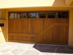 portao para garagem de madeira