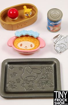 This My Melody Omotenashi Kitchen re-ment from Sanrio Japan is SOOOO cute! The detail in each piece of food is exquisite and like no doll food out there! Kitchen Set is number 5 out of 8 in this serie