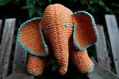 Flo the Elephant (Stitches in Time) : Knitty First Fall 2010