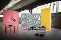 Here's a selection of editorials that Beppe Brancato has done for Case da Abitare that cought our eye thanks to the daring mix of objects and way of combining the colors that makes everything fall Design Set, Display Design, Stage Design, Booth Design, Plateau Tv, Showroom Interior Design, Workspace Inspiration, Kartell, Freedom Design