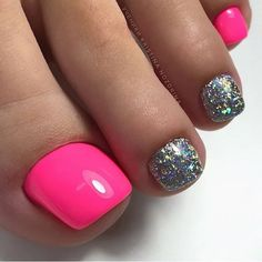 Image may contain: one or more people and closeup Gel Toe Nails, Glitter Toe Nails, Pink Toe Nails, Pretty Toe Nails, Toe Nail Color, Cute Toe Nails, Summer Toe Nails, Feet Nails, Toe Nail Art