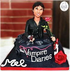 A Damon Salvatore Cake