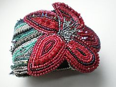 Ceiba Cuff by Songbead, via Flickr