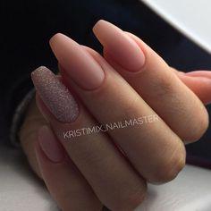 Фотография Glittery Nails, Cute Acrylic Nails, Nude Nails, Matte Nails, Nail Manicure, Pink Nails, Romantic Nails, Elegant Nails, Hair And Nails