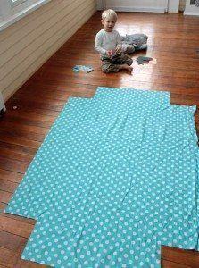 Como fazer lençol de elástico para berço (Foto: viewfromthefridge.com)
