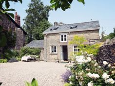 Book your holiday at Grosmont Coach House - Quality self-catering accommodation in Mid Wales Holiday Cottages Wales, Cottages In Wales, Wales Holiday, Luxury Holiday Cottages, Honeymoon Cottages, Black Mountain, Coach House, Vacation Rental Sites, Cabin
