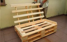 This DIY pallet sofa is extremely awesome for your lounge and cozy living room and has been made of pallets with hands. We have provided here a full DIY pallet Pallet Couch Cushions, Diy Pallet Sofa, Diy Pallet Furniture, Diy Pallet Projects, Pallet Ideas, Pallet Dining Table, Diy Outdoor Table, Reclaimed Wood Furniture, Recycled Furniture