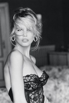 Claudia Schiffer, The Guess Girl Returns