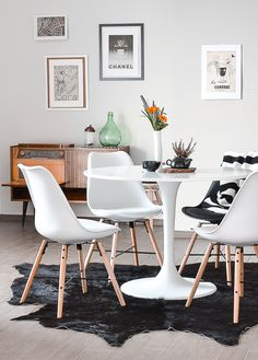 The dining room is one part of the house that we should not ignore. You should design the dining room as nice and as comfortable as possible.
