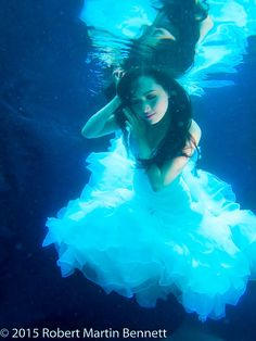 Jennifer Linch , mermaid underwater photography