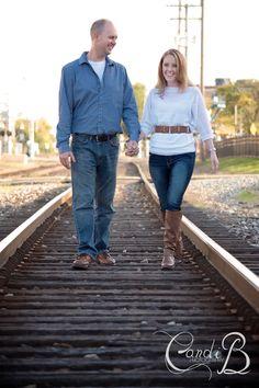 Jen and Bryan are engaged! #engagement #candibphotography #royaloak