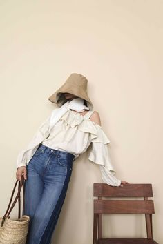 Derek Lam 10 Crosby Resort 2019 collection, runway looks, beauty, models, and reviews.
