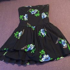 Hollister strapless navy dress with flowers Great condition Hollister Dresses Strapless
