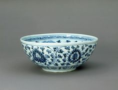 Blue and white porcelain bowl. Ming Dynasty. Hongwu period.