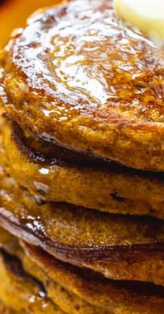 These Pumpkin Pancakes with Bourbon Vanilla Maple Syrup have so much fall flavor. Drizzle these light and fluffy pancakes with a little bourbon-flavored maple syrup for a truly fantastic way to start a cold morning. Best Breakfast Recipes, Brunch Recipes, Thanksgiving Recipes, Fall Recipes, Light And Fluffy Pancakes, Waffle Bar, Vanilla Syrup, Pumpkin Pancakes, Sunday Brunch
