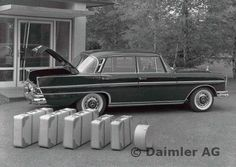 Mercedes Benz 220, Classic Mercedes, S Class, Vintage Cars, Cool Pictures, Automobile, The Incredibles, Workshop, Posters