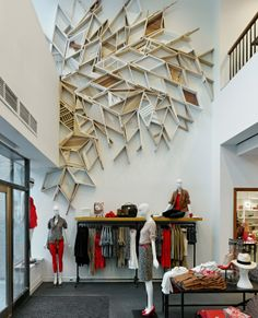 Arquitectura de locales comerciales | www.arqueprima.com.ar great wall sculpture  #retail #display #merchandising