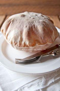 Piadina bread and savory leavened Archives - Trattoria da Martina Gourmet Recipes, Bread Recipes, Cooking Recipes, Pain Pizza, I Chef, Snacks, Italian Recipes, Food Inspiration, Love Food
