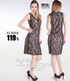 Home Store farkıyla hiçbir zaman modası geçmeyecek nostaljik kesim bir elbise..