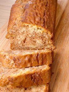 Délicieux marbré au chocolat au lait Cake Chocolat, Cake & Co, Banana Bread, Biscuits, Recipes, Food, Cakes, Creme, Chocolate Curls
