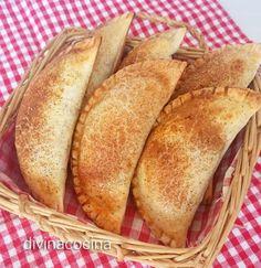 Estas empanadillas de manzana y pasas se pueden preparar con obleas para empanadillas envasadas y tienes un postre original y delicioso en un momento.