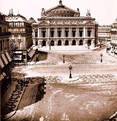 La place de l'Opéra en 1875