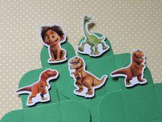Forminha para doces personalizada com O Bom Dinossauro.  Vc pode escolher a cor das forminhas  Tamanho: 3,5 x 3,5cm (fundo)