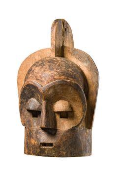 "Helmet mask ""emboli"" or ""mbuto"" - Auctionhouse Zemanek-Münster Art Object, Art Auction, Tribal Art, Ancient Art, Art Market, Helmet, Lion Sculpture, Africa, Objects"