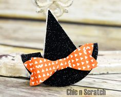 12 Weeks of Halloween 2015 Week 7 - Chic n Scratch Halloween Paper Crafts, Halloween Cards, Halloween Treats, Halloween Decorations, Halloween Scrapbook, Halloween Frames, Halloween 2015, Holidays Halloween, Shaped Cards