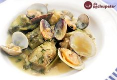Alcachofas con almejas Spanish Kitchen, Spanish Food, Fish Recipes, Great Recipes, Favorite Recipes, A Food, Food And Drink, Cooking Recipes, Healthy Recipes