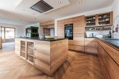 Kitchen Cabinets Decor, Küchen Design, Architectural Digest, Interior Design Kitchen, Rustic Style, New Kitchen, Home Kitchens, Building A House, Living Spaces