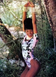 Naomi Campbell by Patrick Demarchelier  US Vogue, June 1992. @thecoveteur