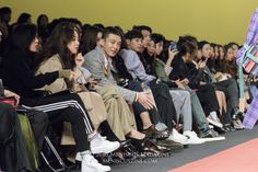 A number of stars, led by Yoo Ah-in (유아인) watched the university-themed Nohant Spring 2017 runway show at Dongdaemun Design Plaza. (photo by Yuan-Kwan Chan / Meniscus Magazine). Source: Meniscus Magazine http://www.meniscuszine.com/articles/2016102941032/celebrity-watch-nohant-spring-2017-seoul-fashion-week-%EC%84%9C%EC%9A%B8-%ED%8C%A8%EC%85%98-%EC%9C%84%ED%81%AC/ #spring2017 #seoulfashionweek