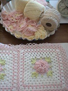 Daisy Crochet Blanket Beg Chain Ch 5 And Join To Formhtml Crochet Afgans, Crochet Quilt, Crochet Blocks, Granny Square Crochet Pattern, Crochet Squares, Love Crochet, Crochet Blanket Patterns, Baby Blanket Crochet, Crochet Motif