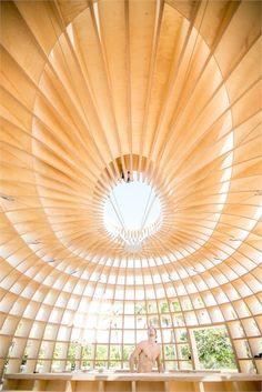Cool roof & hilarious photo (The Güiro Art Bar Installation by Los Carpinteros) Wooden Architecture, Unique Architecture, Interior Architecture, Miami Beach, Temporary Architecture, Mother Art, Art Basel Miami, Cool Roof, Magazine Design
