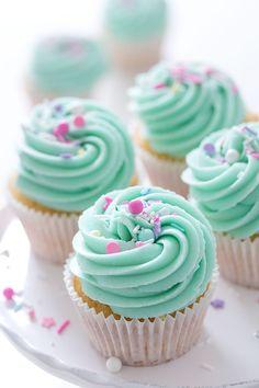 New cupcakes decorados icing recipe 39 Ideas Nutella Cupcakes, Mini Cupcakes, Vanilla Cupcakes, Cupcake Cakes, Mermaid Cupcakes, How To Make Cupcakes, Cheesecake Cupcakes, Coconut Cupcakes, Cupcakes Bonitos