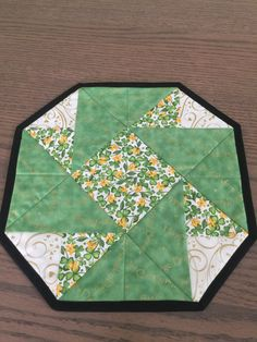 St. Patricks Shamrock Octagon Table Topper by countrysewing4U