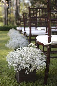 baby breath wooden box wedding arch ideas / http://www.deerpearlflowers.com/rustic-budget-friendly-gypsophila-babys-breath-wedding-ideas/4/