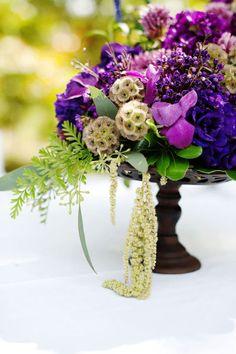 wedding themes, lavender weddings, purple flowers, purple wedding, floral designs, wedding details, peacock colors, cake plates, green flowers