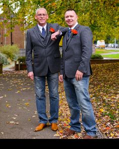 Relaxed October wedding in denim and tweed