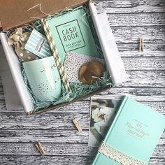 Sweater, Cookies, Mug Gift Box Ideas Gift Birthday Gifts For Best Friend, Best Friend Gifts, Gifts For Friends, Gifts For Mom, Boxes For Gifts, Cute Gifts, Diy Gifts, Party Gifts, Awesome Gifts
