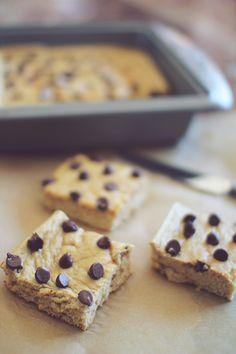 Homemade Cookie Dough Protein Bars – Chelsea Crockett