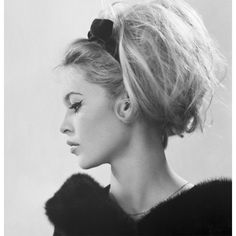 Vintage inspiration dream hair ❤ liked on Polyvore featuring hair, people, hairstyles, models and backgrounds