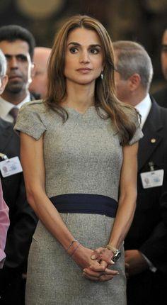 ★ L' Etoile | sophistiqué belle femme Reina Rania