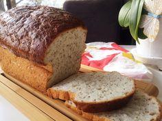 Bröd med chiafrön som gör brödet saftigt och tillför bland annat omega-3, antioxidanter och mineraler. Brödet håller sig saftigt och gott i flera dagar.