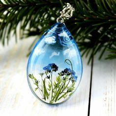 Crystal Epoxy Resin Molds - Seife und co - Diy Resin Art, Diy Resin Crafts, Diy And Crafts, Eco Resin, Resin Jewelry, Jewelry Crafts, Resin Necklace, Jewellery, Resin Tutorial