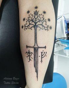 Gandalf Tattoo, Tolkien Tattoo, Lotr Tattoo, Deathly Hallows Tattoo, I Tattoo, Piercings, Cool Tats, Body Modifications, Skin Art