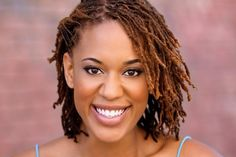 Dinora Walcott locs with highlights Short Dread Styles, Dreads Styles For Women, Short Locs Hairstyles, Short Dreads, Beautiful Dreadlocks, Dreadlock Styles, Alternative Hair, Natural Hair Inspiration, Hair Color For Black Hair