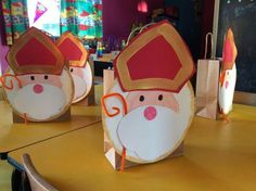 Top 40 Beispiele für Büttenpapier-Events - Everything About Kindergarten Craft Stick Crafts, Diy And Crafts, Crafts For Kids, Kids Christmas, Christmas Crafts, St Nicholas Day, Kindergarten Projects, Theme Noel, Holidays And Events